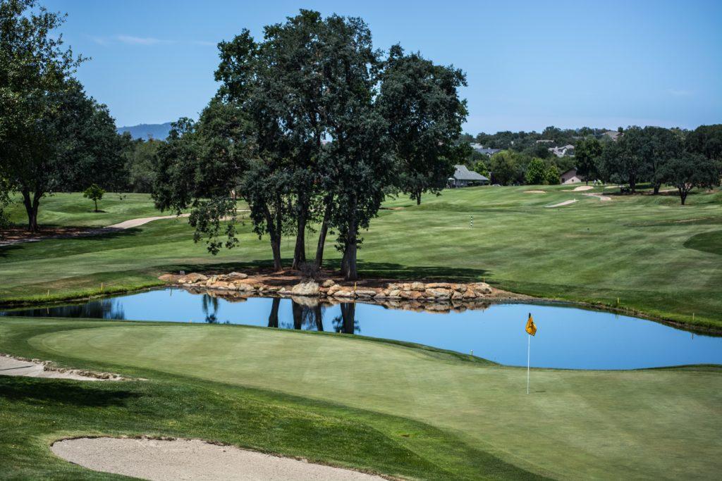 Golf scaled